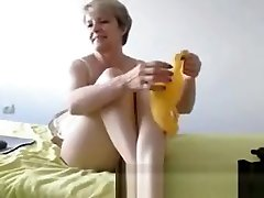 Sexy mature lady showing her body