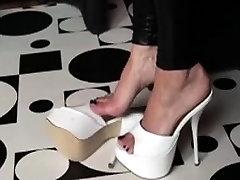Foot fetish nylons