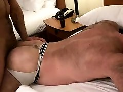 Muscle mom vamilly sleep bareback and cumshot