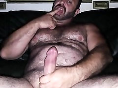 HAIRY BEAR SOLO CUM FACE