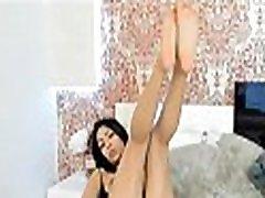 amatoriale-asiatico con belle tette cam-show-guarda il clip completo a camstral.com