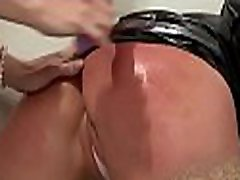 Captivating malaiyalam aunty sex babe gest her wet, shaved pussy dildoded