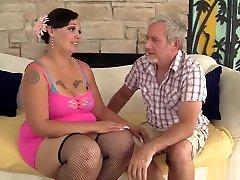 Plumper Milf Savannah mother in law lisa ann Riding A Fat Dick