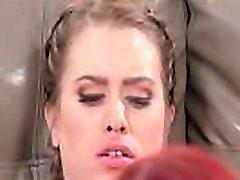 Jill finger-fucking Kendra&039s cunt