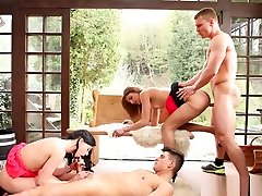 Bisex Babes Eating Pussy