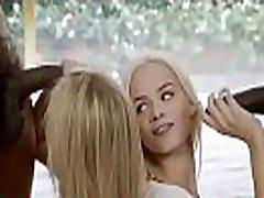 अंतरजातीय के साथ सुनहरे बालों वाली किशोर http:turboagram.com56xK