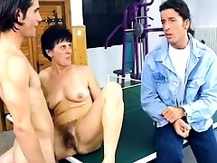 Mature brunette mom in black rubbing her hot small bopy cunt and toys