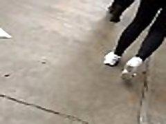 Guera con un culote en leggings. Pawg with leggings