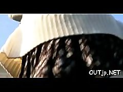 slutty chick dobi velik kamen trd cola 18 v njen obraz na prostem