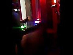 Trecho da cena gravada na boate Café Brasil em Cosm&oacutepolis SP Vagninho ator e Anyy Fernandez