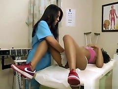 Lesbian Nurse Fingerfucked By Ebony Patient