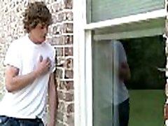 johnny rapid e max flint-peeping tom parte 1-str8 a gay-trailer anteprima - men.com