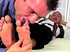 Homo hunks engulfing toes and fucking in foot fetish scenes