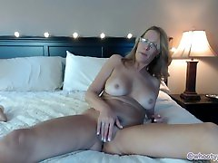 Sexy Milf Begs To Get Pregnant Custom From gwen and dave Jess Ryan