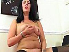 English japan prgy Sassy lets us enjoy her juicy fanny