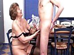 nursery massage mom Vintage - Deutsche Oma wird vom Nachbar in ihrer K&uumlche gefickt