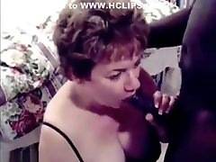 Pretty mature brunette preffer black cocks than white cocks,!holy fuck!
