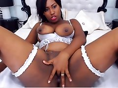 Sexy ebony squirt on webcam - part1