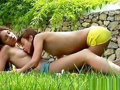 lesbians outdoor ketagihan saxy pussy