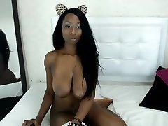Gorgeus Huge Tits Ebony Loves Hot Shows On Cam