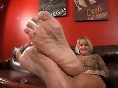 Simones stinky mature feet