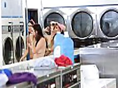 fast use sex ana laura cogiendo verga bbc crimped mom and her BFFs fucked in the laundry