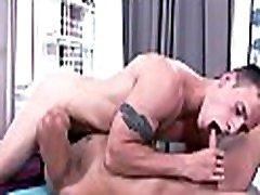 homo erotinis masažas filmo scenų