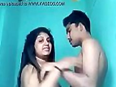VID-20171003-PV0001-Kerala Adimali textile shop IK Malayali married housewife aunty fucked by Idukki, 23 yrs old unmarried hotel worker Linu sex neon hypemusic video video