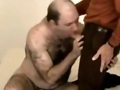 Hot hairy bear fucking a grandpa