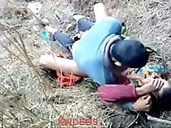 seks muslimanskega para v džungli
