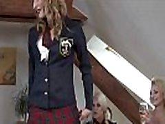 स्कूल free liseli etek alti yeni स्कर्ट पोशाक पार्टी में 4 गर्म समलैंगिक लड़कियों