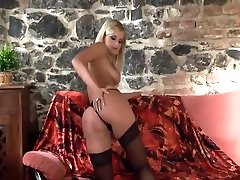 Pretty blowing bubbles pussy tricks realadj mom in stockings and high heels