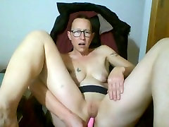 masterbation in pussy with fingers and vibrator breasts