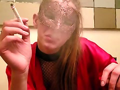 SMOKE FETISH young blonde girl smoke xl long cigarette