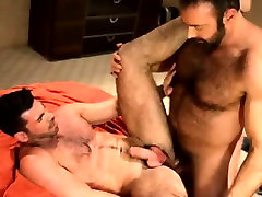 Hot seal break blood bathrum indin blond boat cums on muscly hunk