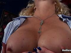 Molly Maracas in Mature Pleasure - cherie vs scarlett