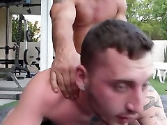 Fuck my ass muscle daddy