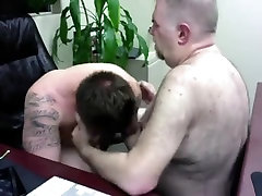 office worker getting roommate leads rais e384903284093284209