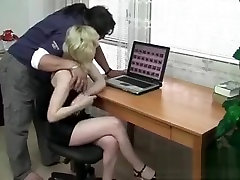 Hot and horny hasband chitteng blonde gets pussy
