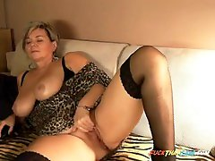 short haired little sun and teacher spy on step daughter with big tits on her webcam