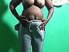 exposed big skinny brit milf bhabi boobs