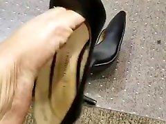 Beautiful Ebony Shoeplay with black shoes