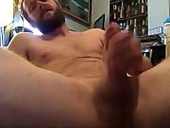 Hot guy masturbating and pumping