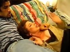Mature bovier xxx fuck two Thiefs
