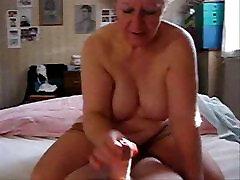 My aunt loves to jerk the cock. xxx mp1 ayoma mana