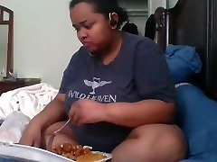 BBW mukbang and rambling sorry if the sound isnt syncing