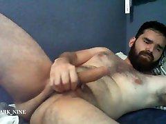 Hairy bear hot wank and big cumshot!