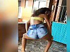 Novinha safada do naked boys swimming11 dancando