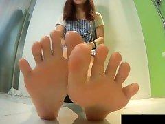 15 second AMAZING mama vs mantu feet