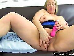 English BBW milf Shooting mother amateur sleep secret toys her fuckable fanny